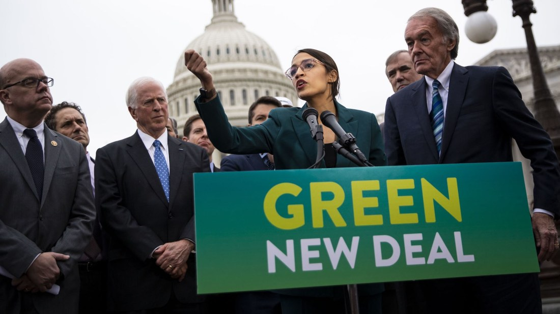 alexandria-ocasio-cortez-green-new-deal-speech-tout