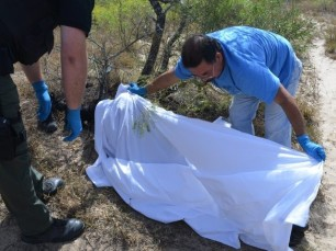 Body-of-Deceased-Migrant-in-Brooks-County-Texas-640x480