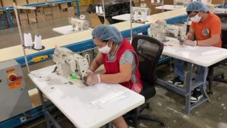 MyPillow-face-mask-production