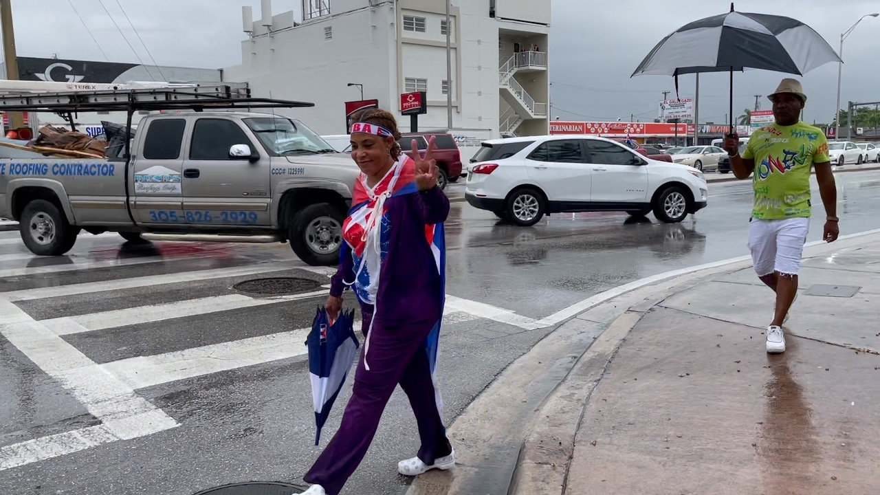 cuban-american-protesters-shut-down-expressway-in-miami-blame-biden-for-lack-of-support